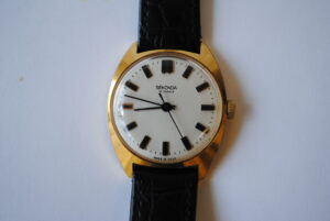 Sekonda manual wind gold plated wristwatch close