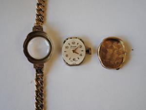 Timor Ladies 9ct gold wristwatch full
